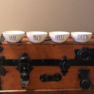 Rae Dunn Set of mini bowls